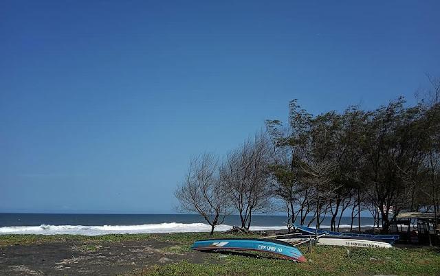 Pantai Bugel Kulon Progo, Tempat Terbaik Menikmati Ketenangan