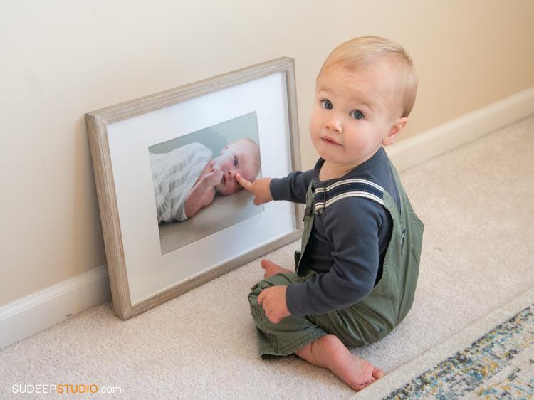 baby looking at self portriat - SudeepStudio,com Ann Arbor Portrait Photographer