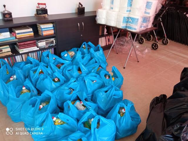 Τρόφιμα σε οικογένειες από το Ίδρυμα «Πολιτεία Αγάπης» στην μνήμη του πατέρα του προέδρου π. Ραφαήλ Βουγιούκα