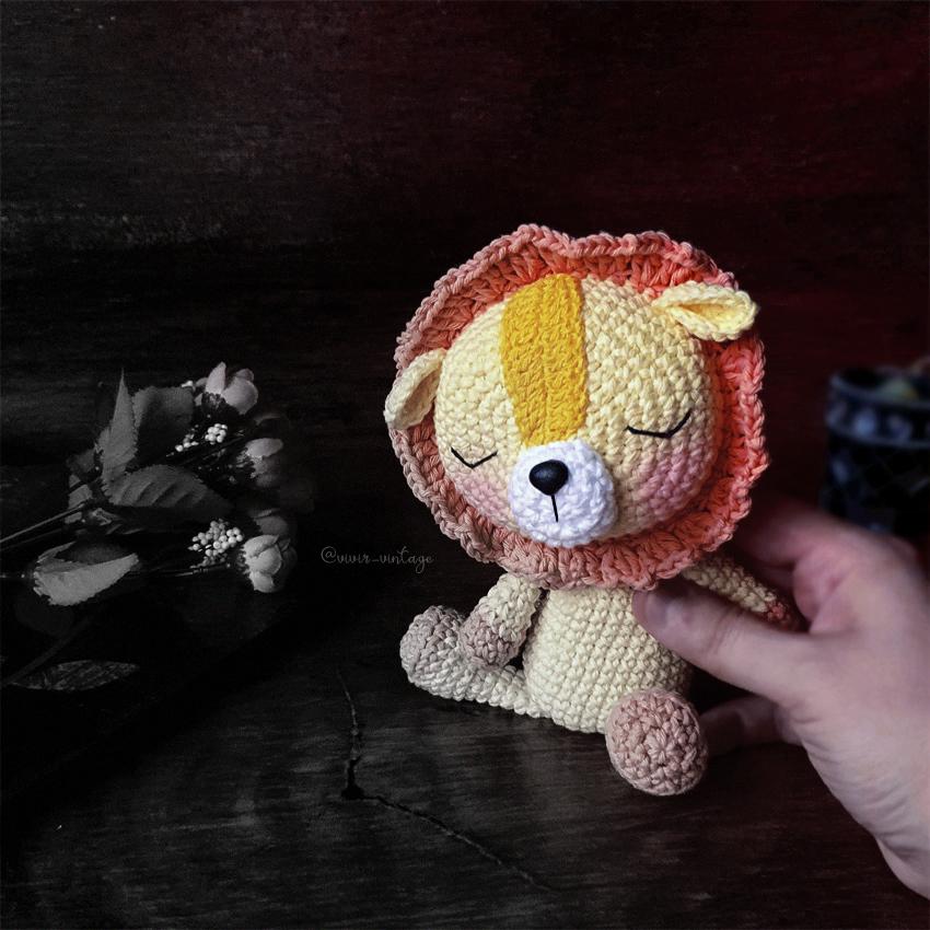leon amigurumi