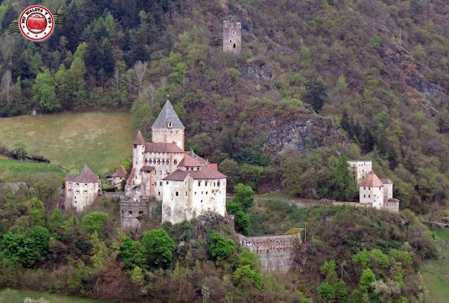 Castillo de Trostburg, Italia