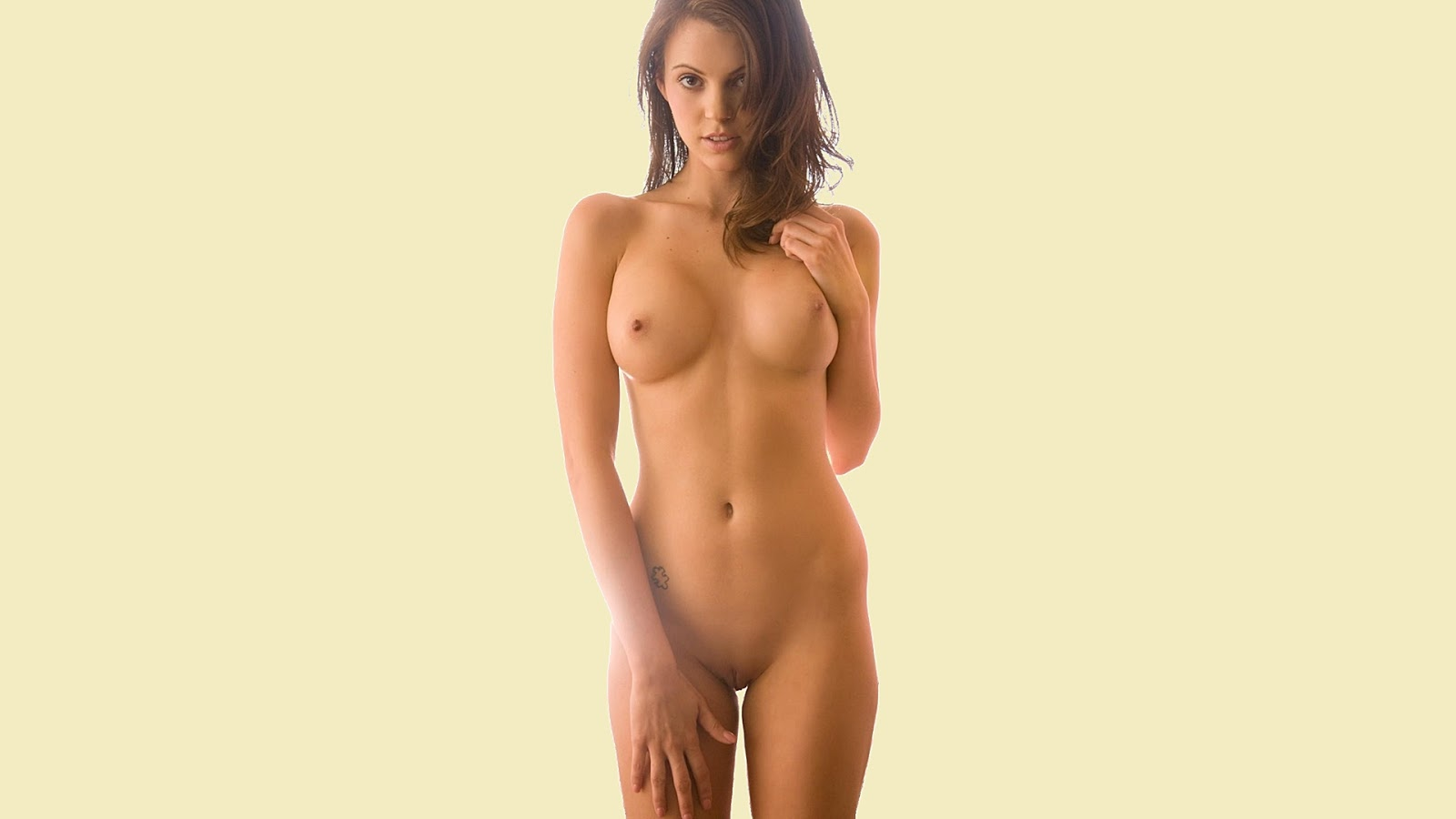Free pictures of nude mature shaved pussy
