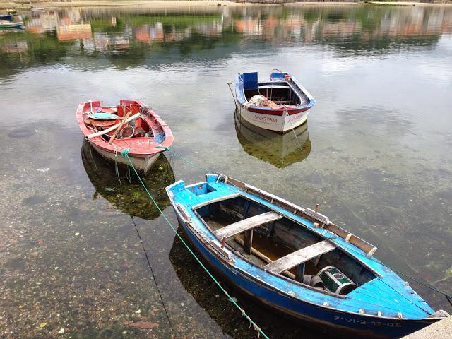 barcas en las rias baixas galicia