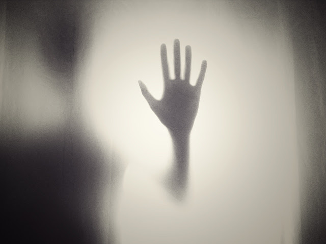 """""""वह कमरे का आखिरी कोना"""" horror poem in hindi"""