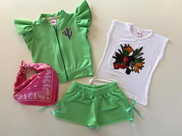 Moda primavera verano 2018 remeras y shorts para niñas.