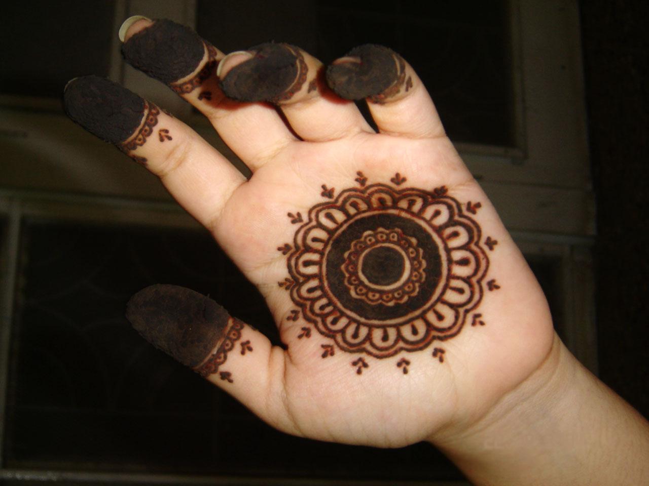 Arabian Mehndi Designs: Simple Mehndi Design
