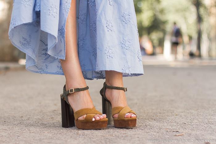 Influencer blogger adicta a los zapatos bonitos de marcas de lujo