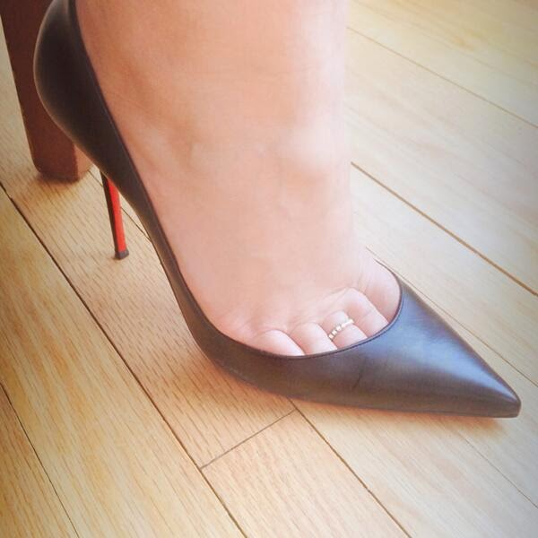 Nylon Toe Cleavage 85