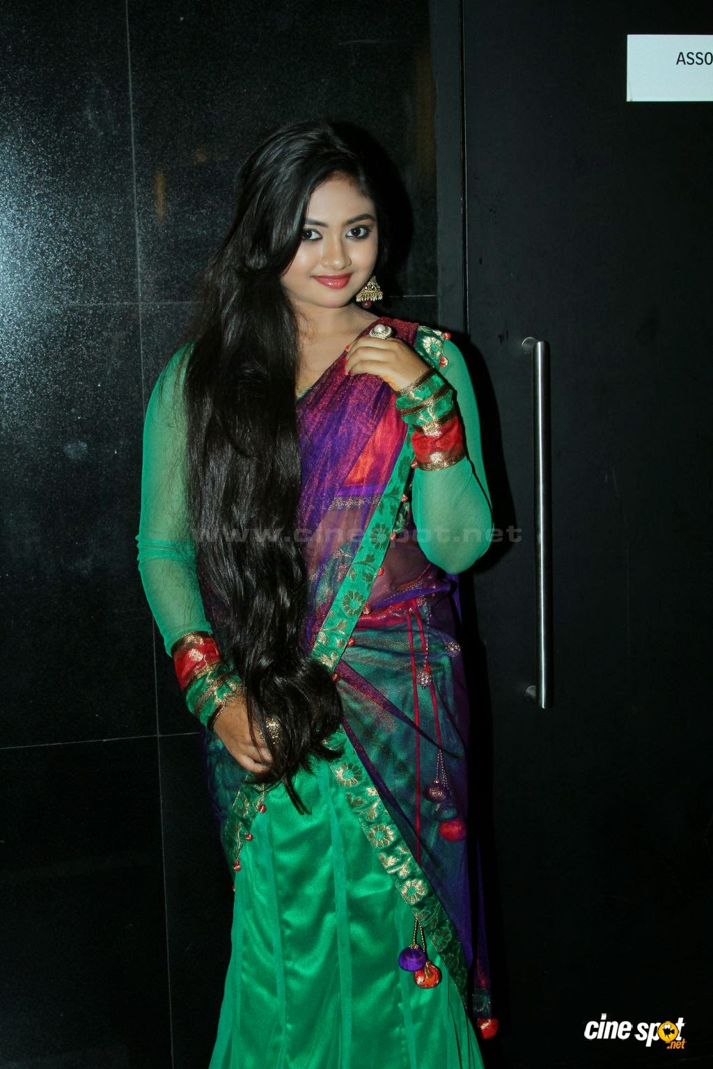 Shalin Hot Navel Show Hd Billeder på Samvritha Sunil Wedding-2534
