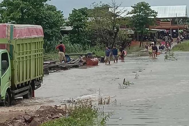 Hujan Deras, Jalan Poros Bone-Wajo Terendam Banjir Lagi