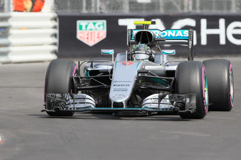 F.1 Mercedes, Rosberg rinnova fino al 2018. Wolff: