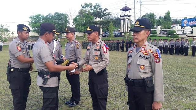 Berprestasi, Tiga Kapolsek Menerima Reward Dari Kapolres Lampung Utara