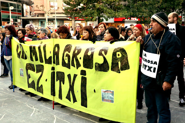 Protesta de las familias y trabajadores del colegio La Milagrosa