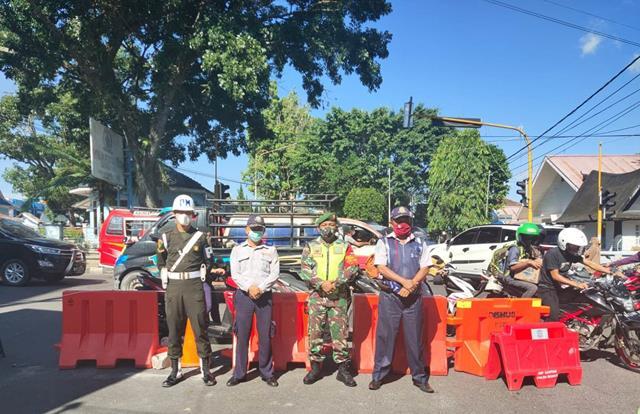Di Kota Pematang Siantar Kompak Bersama Dinas Terkait Lakukan Ops PPKM Level lll Oleh Personel Jajaran Kodim 0207/Simalungun