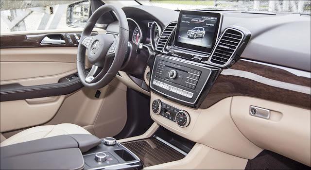 Nội thất Mercedes GLE 400 4MATIC Exclusive 2019 thiết kế sang trọng và lịch lãm