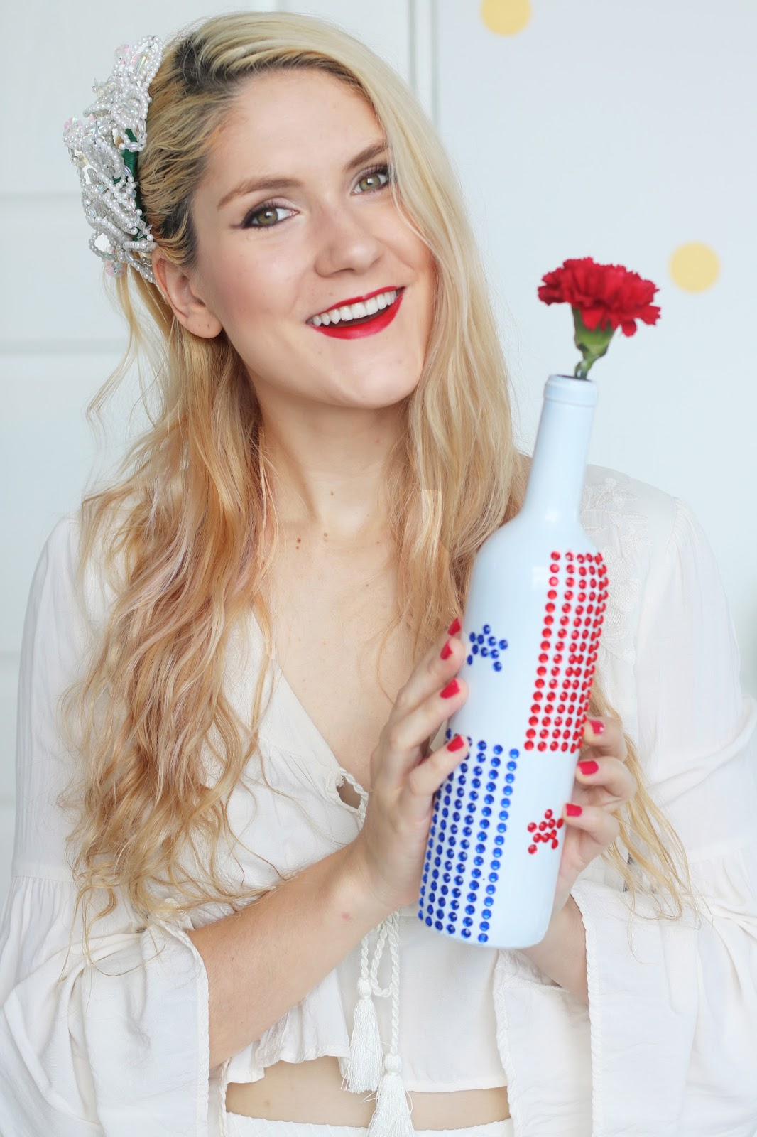 Pretty Panama flag vase tutorial for celebrating Fiestas Patrias