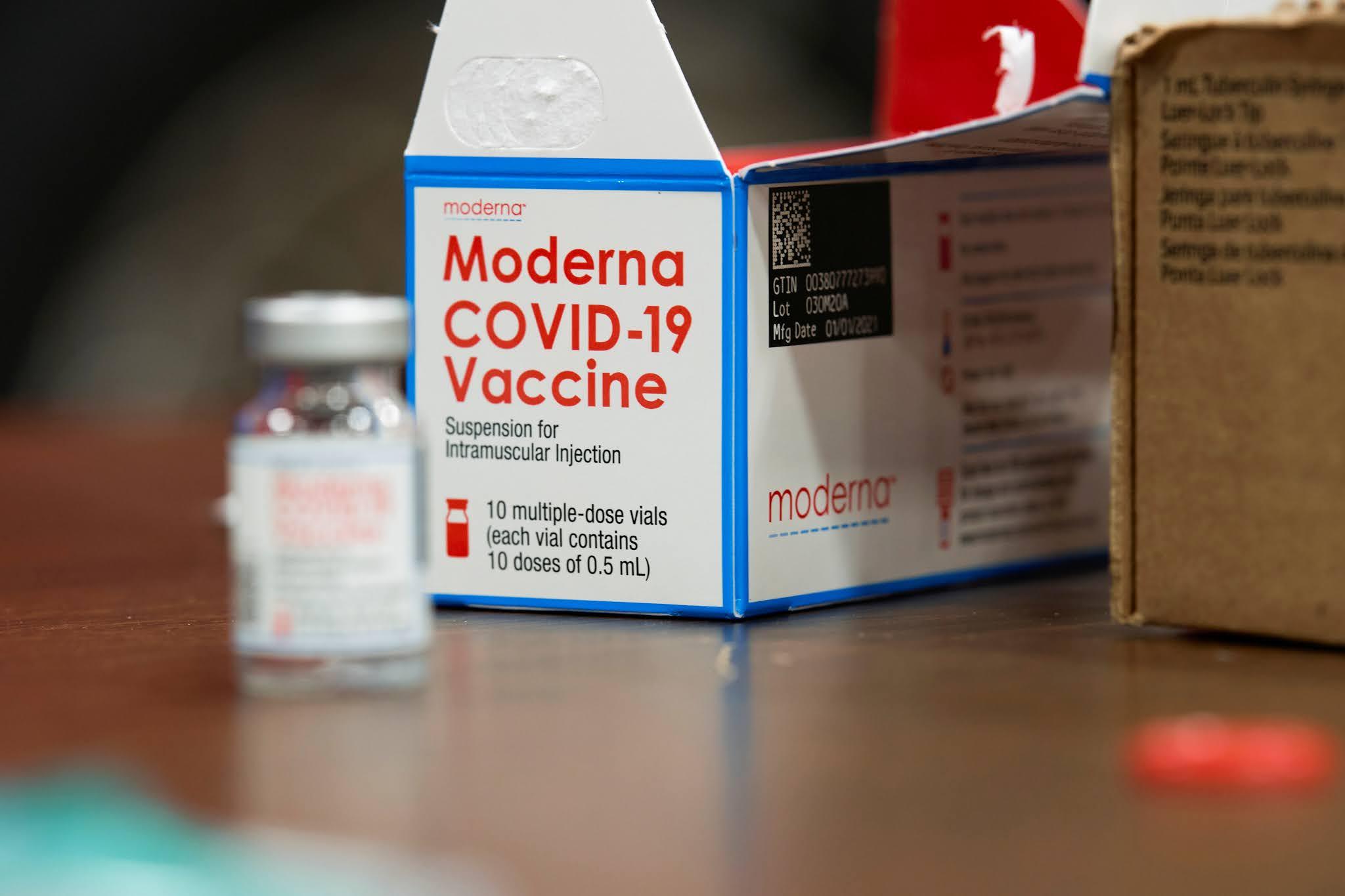 El Gobierno anunció que el lunes se firmarán acuerdos con Moderna para la compra de vacunas contra el coronavirus