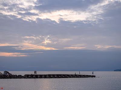 Sunset in blue: Morito-beach (Hayama)