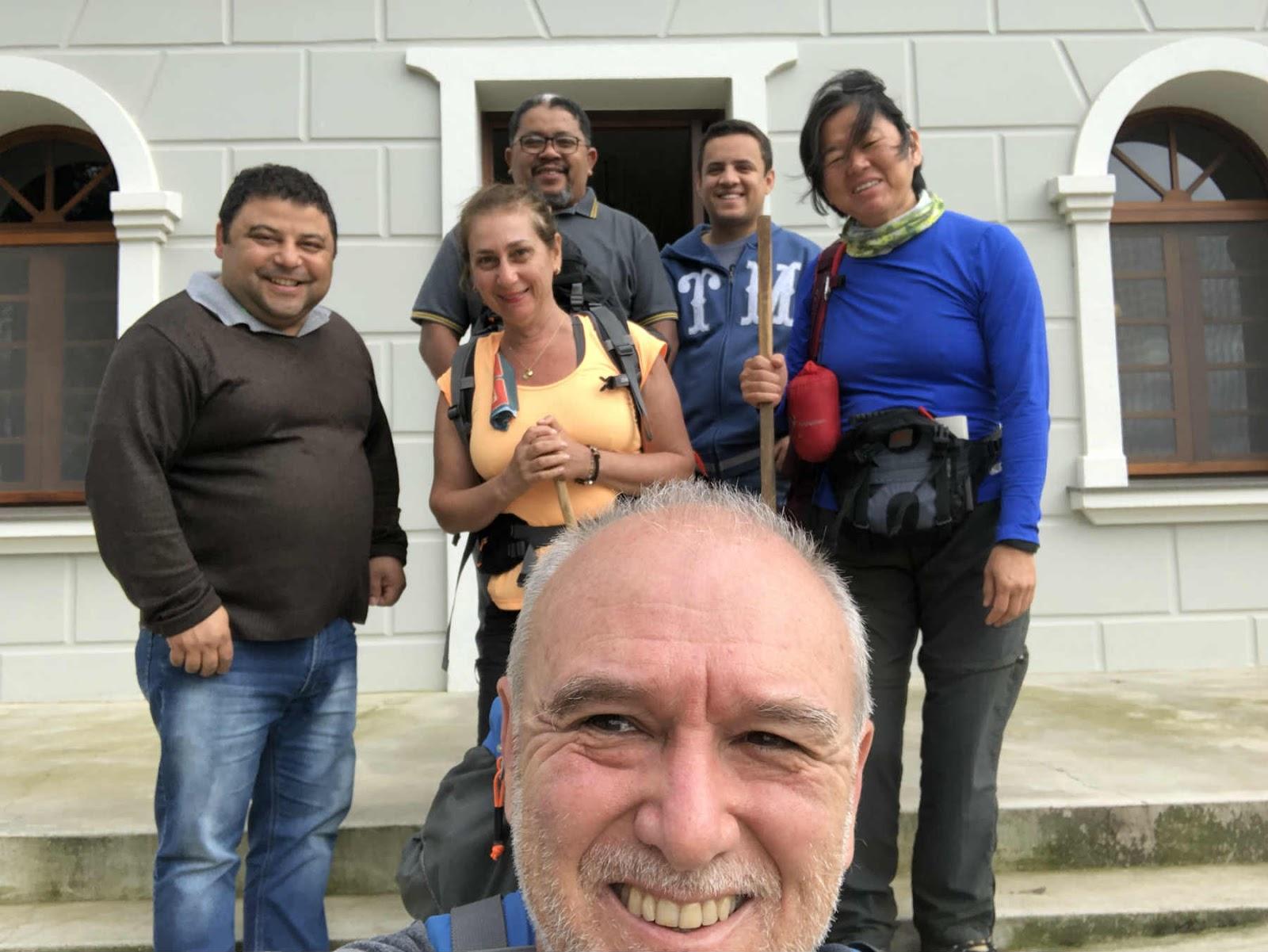Os padres: Adriano, Evanilson , noviço Valdinar e nós Caminhos de Caravaggio