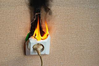 gambar kosleting listrik