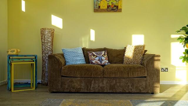 divano rovinato-arredamento-copri divano