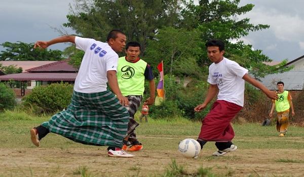 Lomba Sepakbola Sarung