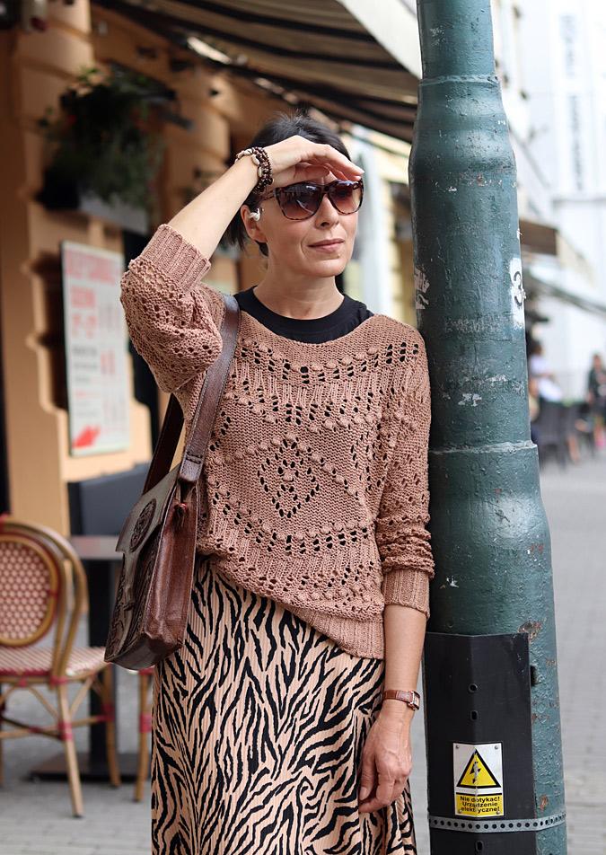 sweter do spódnicy stylizacje
