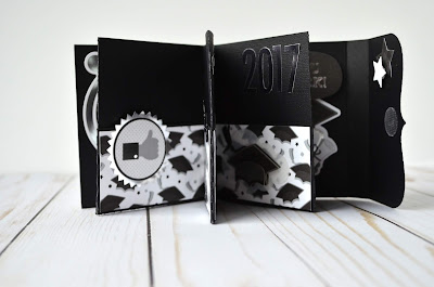 graduation gift card mini album by Wendy Sue Anderson