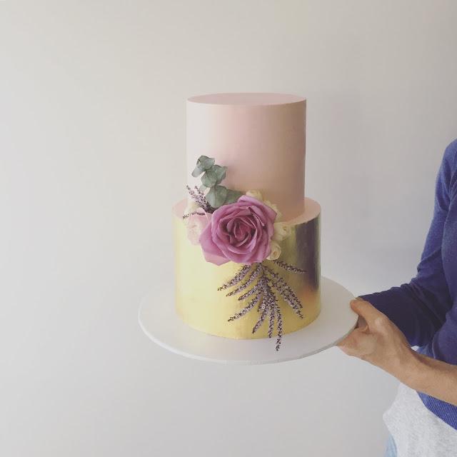 gold coast wedding cakes desserts cake designer decoration floral
