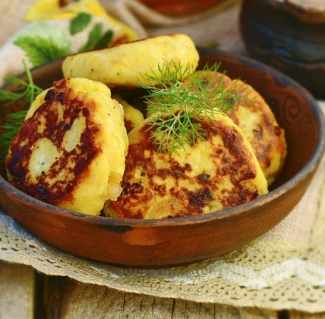 FORGET ONION RINGS, THESE ONION PATTIES ARE GOING TO ROCK YOUR WORLD! #vegetarian #veggies