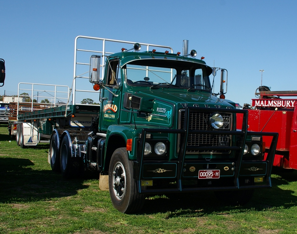Historic Trucks: Longwarry Heritage Truck Display - European and English makes