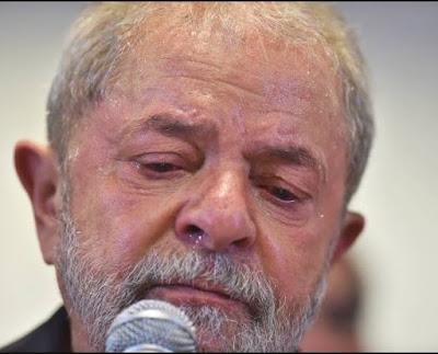 Lula é condenado a 12 anos e 11 meses de prisão