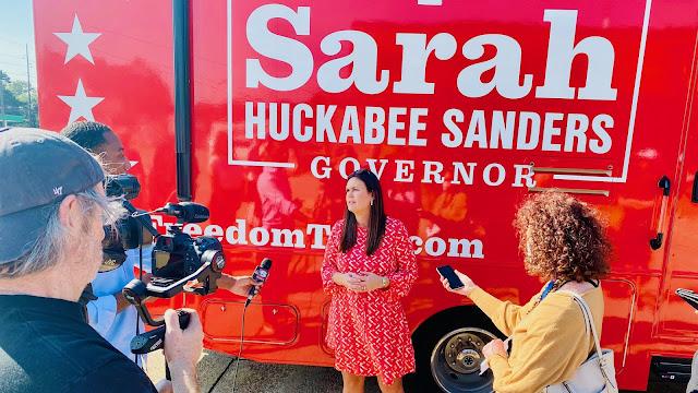 Sarah Huckabee Sanders texarkana