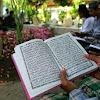 Ziarah Kubur dan Membacakan Ayat Al-Quran Untuk Orang yang Sudah Meninggal Sangat Dianjurkan