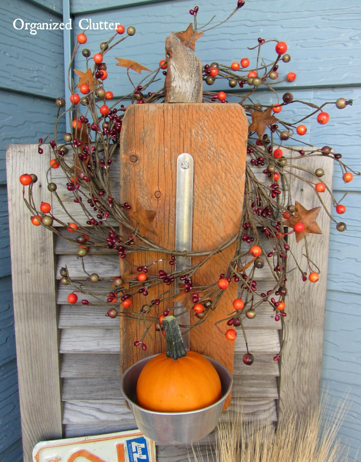 Barn Wood Pumpkin Ladle Display www.organizedclutterqueen.blogspot.com