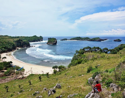 Backpacker Blitar - Pantai Pehpulo