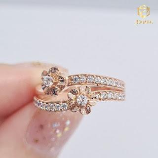 Nhẫn kim cương hình bông hoa đẳng cấp