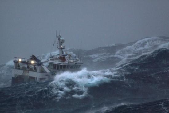 Κινδύνεψαν ψαράδες στο Βιβάρι