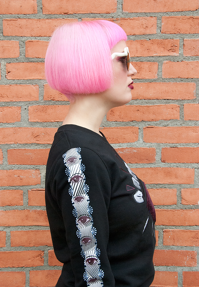 Kenzo Eye Jumper, pink hair, blogger style