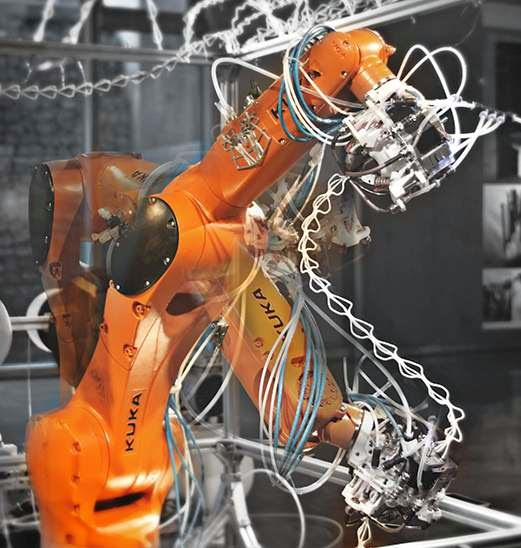 DIY 3D Printing: KUKA robotic arm turned into six axis 3d printer