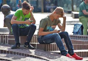 5 Cara Jitu Untuk Mengatasi Kecanduan Smartphone