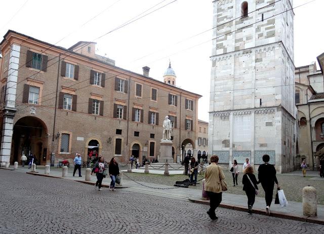 Piazza de la Torre Modena