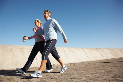 Caminhada: Ajuda a perder peso e a barriga?