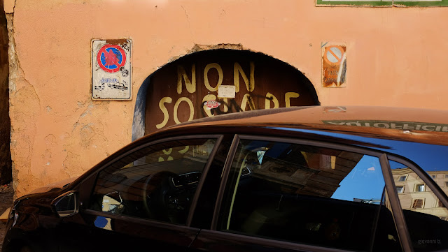 Automobile in divieto di sosta