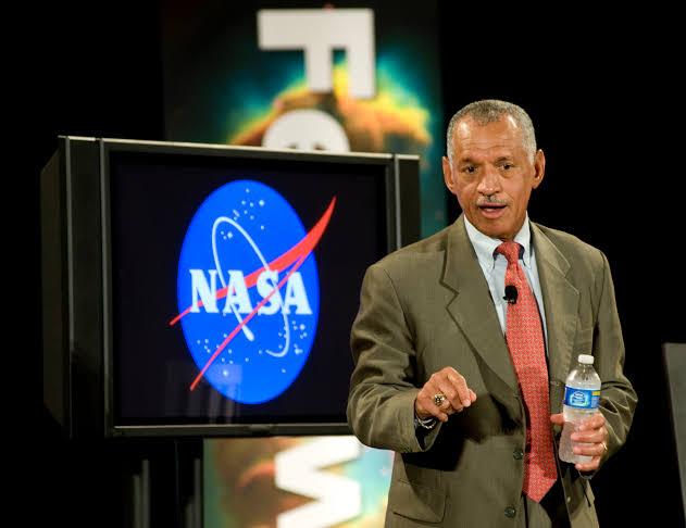 Fake NEWS: Charles Bolden da NASA
