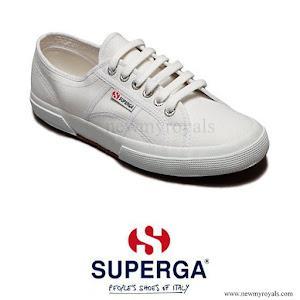 Superga%2BCotu%2BSneakers%2B-%2BKate%2BMiddleton.jpg