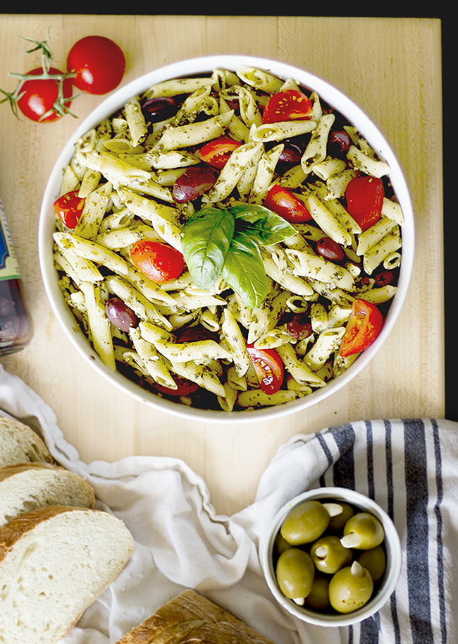 Pesto Penne with Olives and Tomatoes