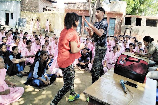palwal-women-police-awareness-programe-to-school-girls