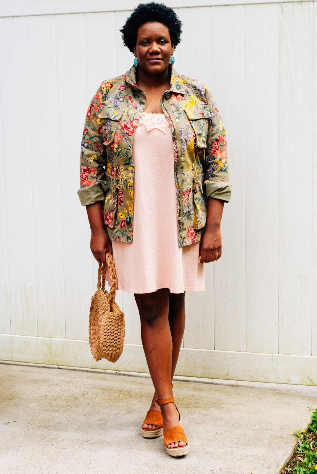 Who doesn't love a versatile statement piece? This floral jacket from H&M is my new favorite piece in my closet. It instantly makes any outfit feel like spring while being heavy enough to keep me warm on those days where it feels more like winter is still hanging around. I love it so much that I want to wear it all the time!