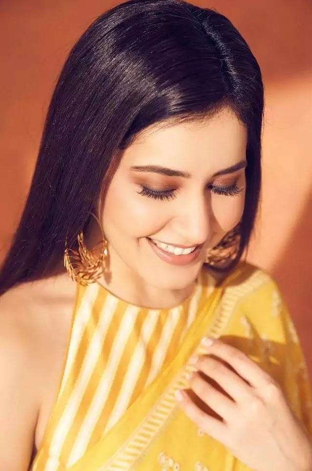 raashi-khanna-in-yellow-saree